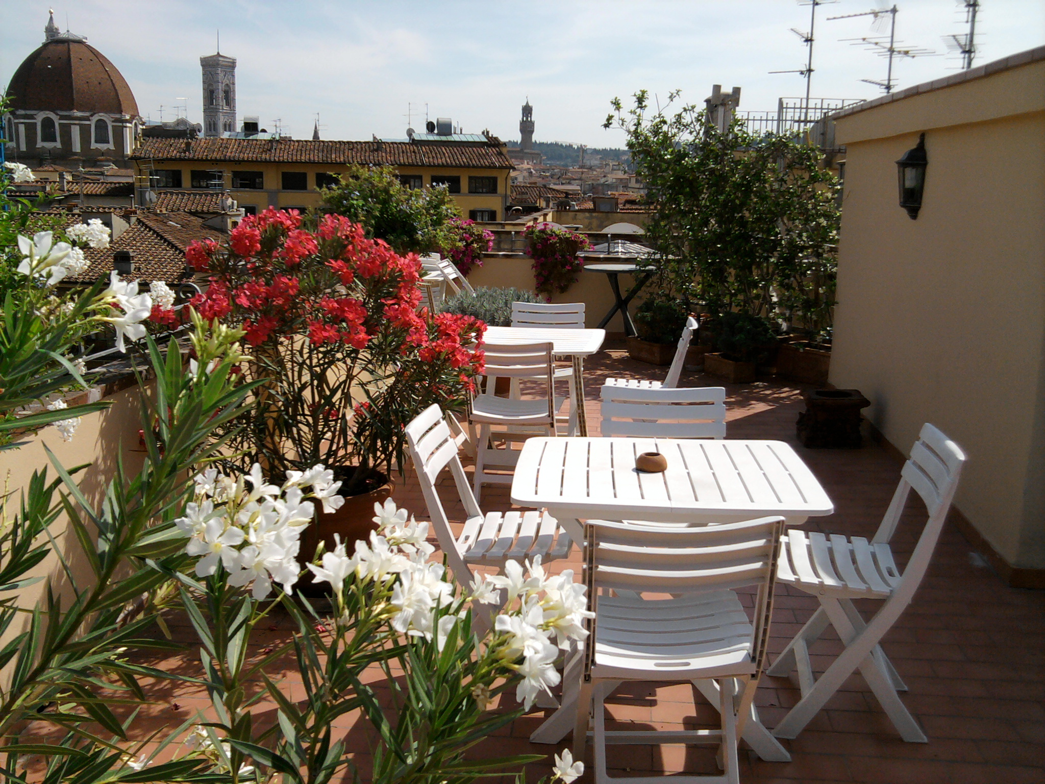 Florence accommodations - Roof terrace at Hotel Bijou in Florence